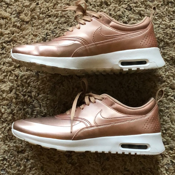 Nike Air Max Thea Rose Gold US women s 8. M 5a94643aa825a69e17f6a867 6fa6284b43